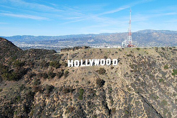helicopter tour hollywood sign flyby